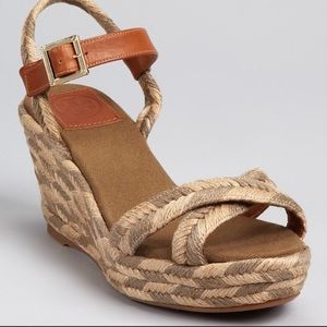 Tory Burch espadrilles size 9 camellia rope sandal